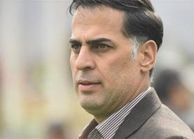 آذری: داوران برای ما اشتباه می نمایند و فدراسیون فقط عذرخواهی می نماید، زیباترین بازی هفته پخش نشد