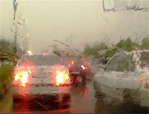 توصیه هایی برای رانندگی در روزهای بارانی