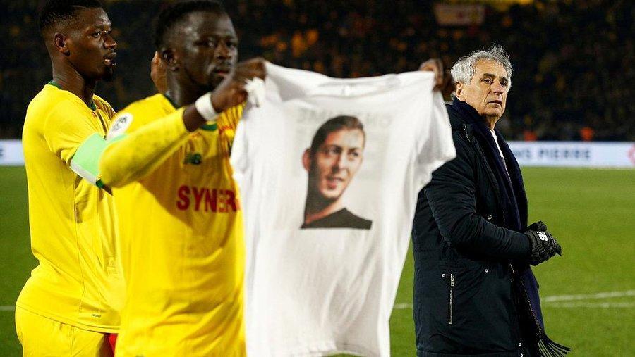 امیلیانو سالا ، درخواست قسط اول فوتبالیست جانسپرده
