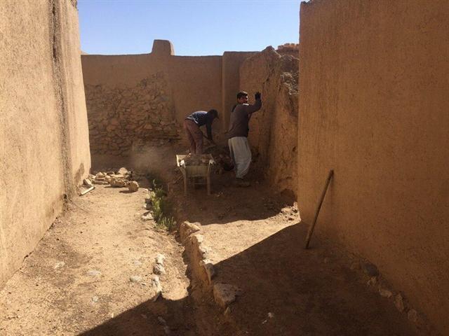 ادامه عملیات استحکام بخشی و مرمت پروژه قلعه تاریخی مورچه خورت