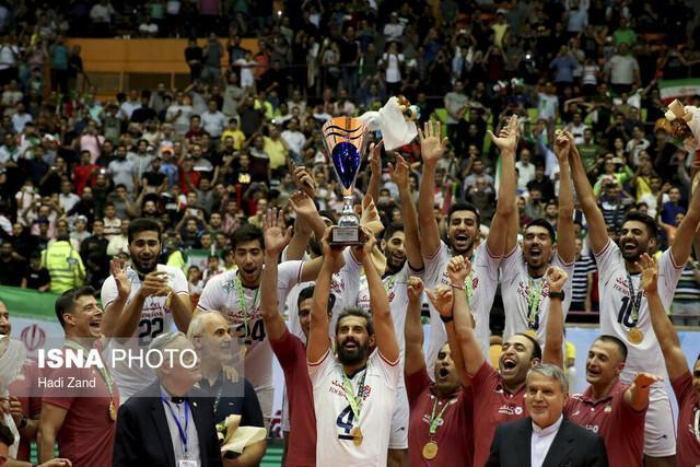 ایرانی ها 10 هزار نفری جشن قهرمانی گرفتند