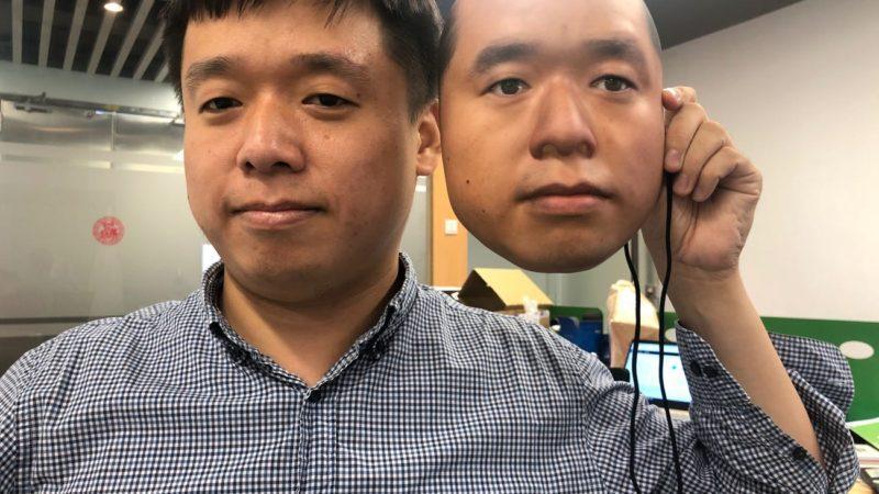 فریب سیستم تشخیص چهره با یک ماسک