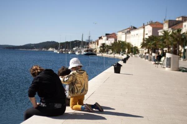 پافشاری اتحادیه اروپا بر بازگشایی مرزهای داخلی