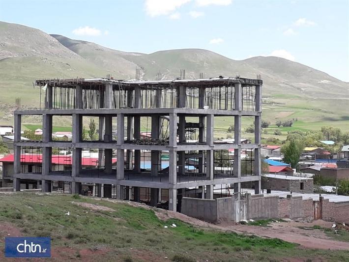 بازدید استاندار اردبیل از اولین هتل 3 ستاره روستایی در حال احداث استان