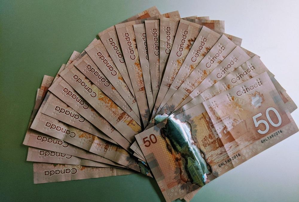 ادامه پرداخت یاری اقتصادی 2000 دلاری موجب رونق اقتصاد کانادا می گردد یا مرگ آن ؟