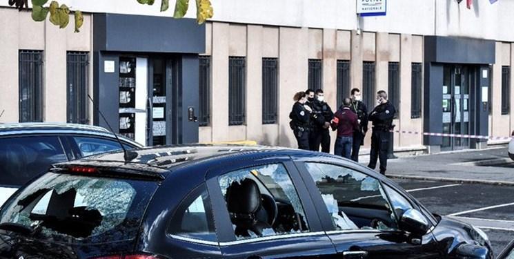 حمله معترضان به نیروهای امنیتی فرانسه