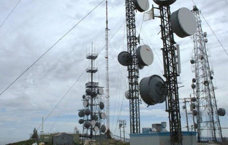 خبرنگاران عملیات اجرایی پروژه فیبر نوری بشاگرد آغاز شد