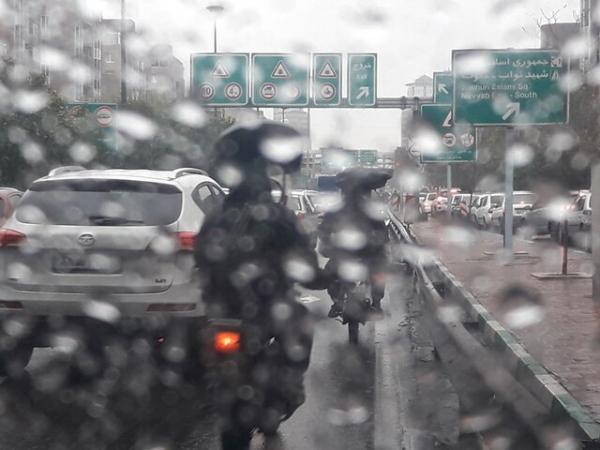 ترافیک نیمه سنگین در ورودی تهران، تداوم محدودیت تردد پلاک های غیربومی در شهرهای قرمز و نارنجی
