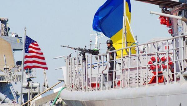بلینکن: آمریکا به ارسال کمک های دفاعی قوی خود به اوکراین ادامه می دهد