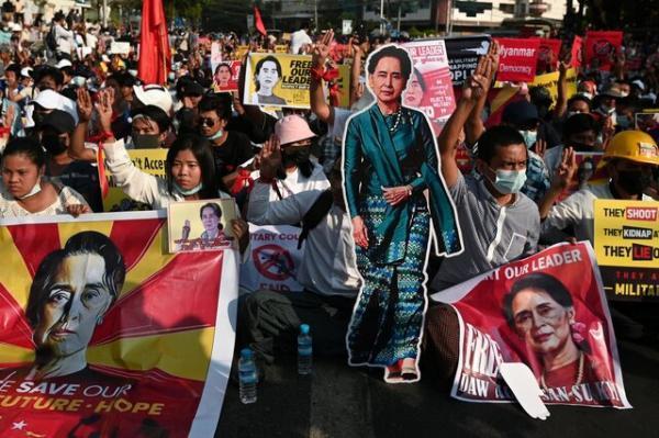 اتحادیه اروپا آماده تحریم رهبران کودتای میانمار