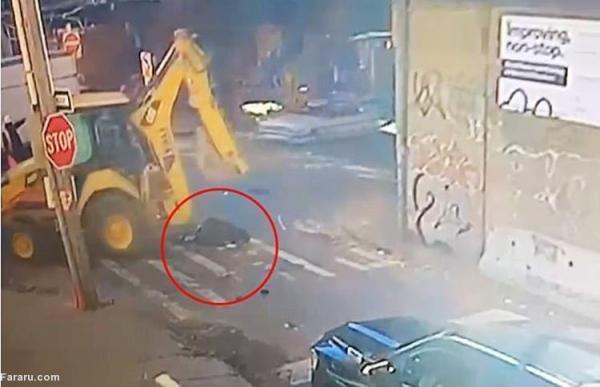 (ویدئو) مرگ پرستار بر اثر اصابت بیل بولدوزر به سرش