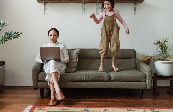 8 ترند نوستالژیک روزهای کودکی که می توانید به نام یک بزرگسال بپوشید